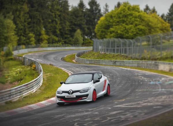 El récord del Mégane RS en Nürburgring tiene cierto truco.