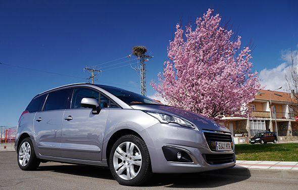 Peugeot 3008 y 5008: ahora con motores BlueHDi