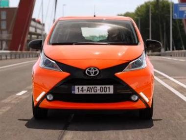 El nuevo Toyota Aygo 2015, en movimiento
