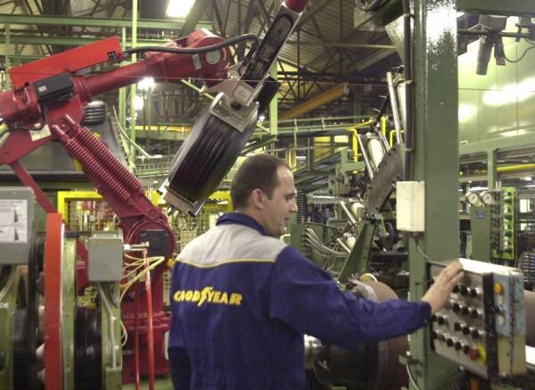 Cada uno de los siete pasos para la fabricación de un neumático es vital.