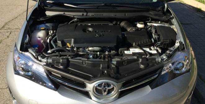 El motor de 124 CV del Auris ST es más que suficiente para mover con soltura el conjunto.