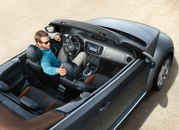 El precio de partida del VW Beetle Cabrio Karmann roza los 30.000 euros.
