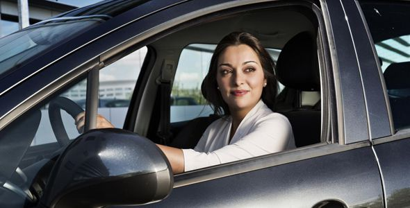 Alquilar un coche: los 10 puntos clave a tener en cuenta