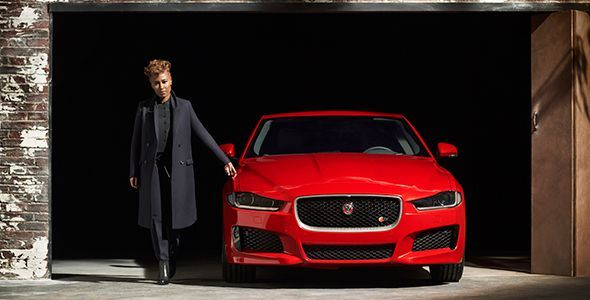 Así es el frontal del Jaguar XE 2015
