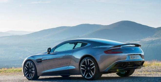 ¿Elegancia o deportividad? Pues las dos. Es el sello Aston Martin.