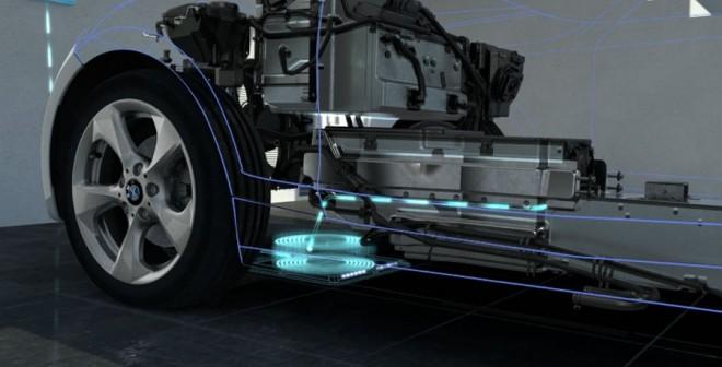 Con situar el coche justo en el punto correcto sobre la estación de carga, nuestras baterías se cargarán.