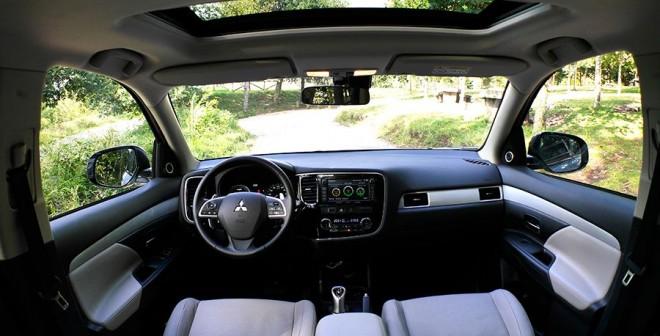 Prueba Mitsubishi Outlander PHEV, interior, Rubén Fidalgo