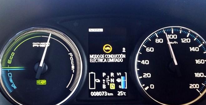 Prueba Mitsubishi Outlander PHEV 2014, Batería agotada, Rubén Fidalgo