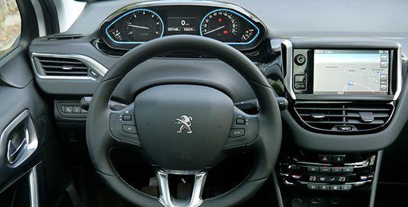 Los Peugeot 208 y 2008 con navegador de regalo