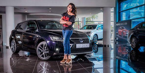 El nuevo Lexus CT 200h de Adriana Ugarte