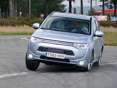 Vídeo prueba: Mitsubishi Outlander PHEV 2014