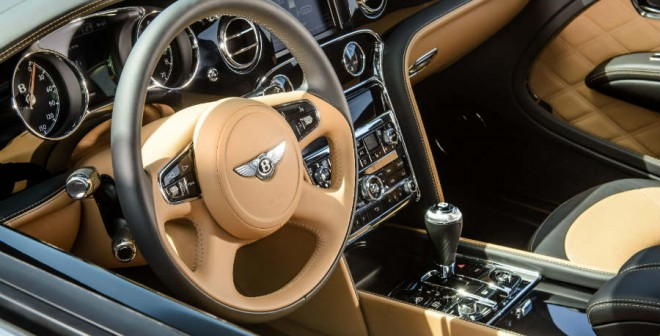 El interior del Bentley Mulsanne Speed destila lujo por los cuatro costados.