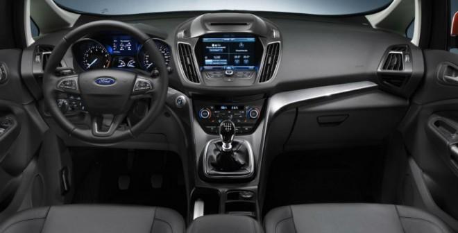 Así es el interior del nuevo Ford C-Max.