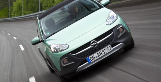 Por carretera o ciudad, el Opel Adam Rocks se defiende con soltura.