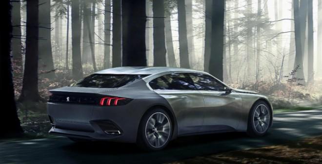 El Peugeot Exalt tiene un motor híbrido que desarrolla 340 CV de potencia.