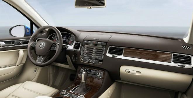 Así es el interior del nuevo Volkswagen Touareg 2015.