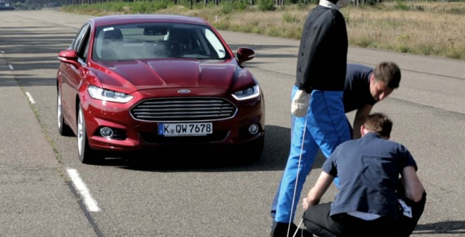 El sistema de detección de peatones es uno de los mejores ejemplos de lo completo que puede ser el equipamiento del nuevo Mondeo.