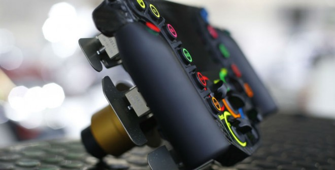 Hasta seis levas aparecen en la parte trasera del volante del Porsche 919 Hybrid, todas ellas con una función determinada.