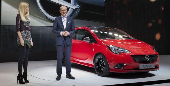 El Opel Corsa 2015 debuta en París con Claudia Schiffer