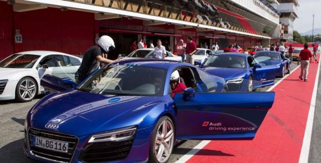 Los momentos previos a salir a pista con el Audi R8 hacen que tus pulsaciones suban.