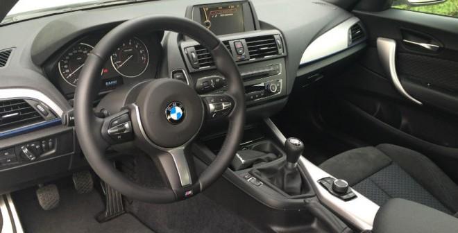 El paquete M se deja notar en el interior del BMW Serie 2 Coupé que hemos probado.