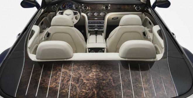 El Bentley Grand Convertible tiene capacidad para cuatro pasajeros.