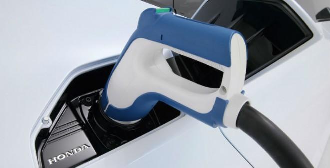El Honda FCV Concept es capaz de repostar completamente en tan solo 3 minutos.