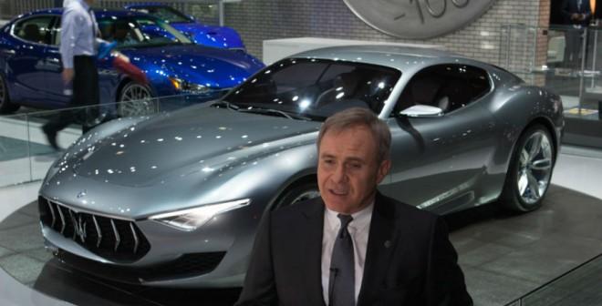 Las altas esferas de Maserati muestran orgullosas sus últimas creaciones.