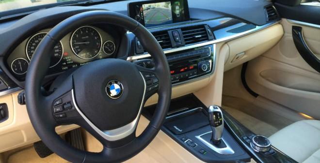 El interior del BMW Serie 4 con acabado Luxury cuenta con todo lujo de detalles.