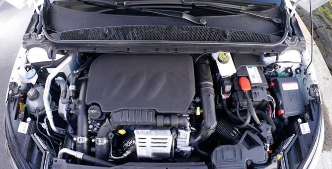 Prueba Peugeot 308 SW 1.2 PureTech 110 CV Business Line, motor, Rubén Fidalgo