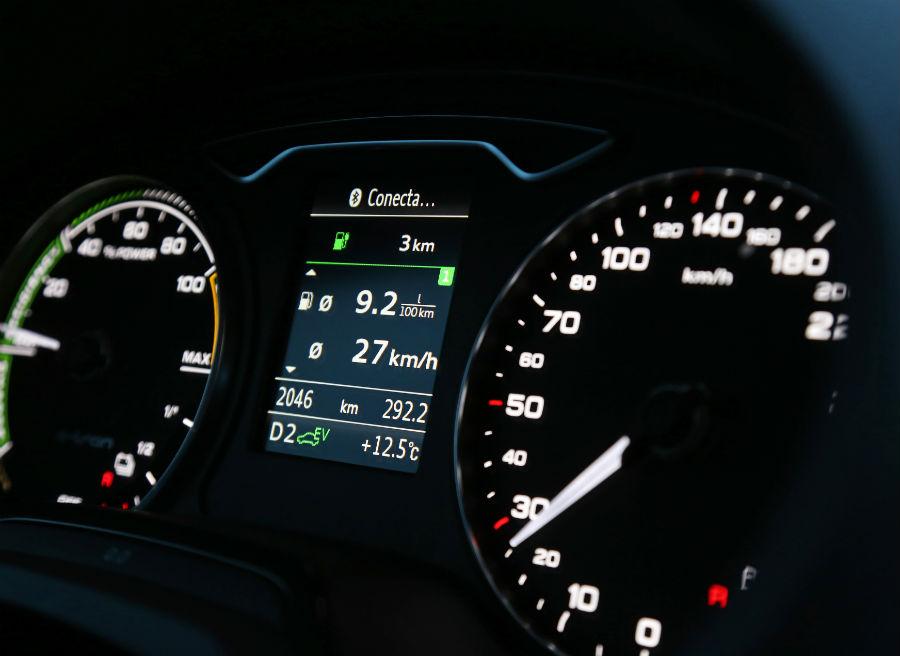 El cuadro de mandos es una de las pocas zonas que varía del interior del Audi A3 Sportback e-tron respecto a la versión convencional.