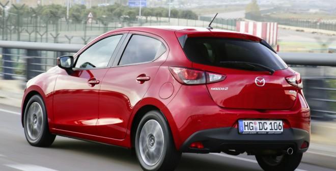 La zaga del nuevo Mazda 2 tiene un corte bastante agresivo.