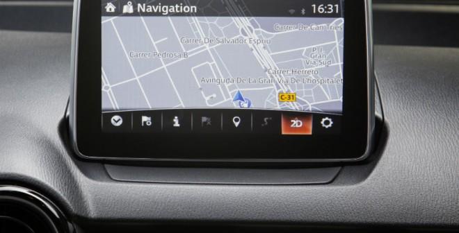 El navegador es uno de los elementos que incluyen las versiones de gama alta del nuevo Mazda 2.