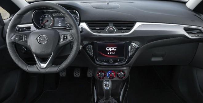El interior del Opel Corsa OPC también cuenta con elementos más deportivos y exclusivos.
