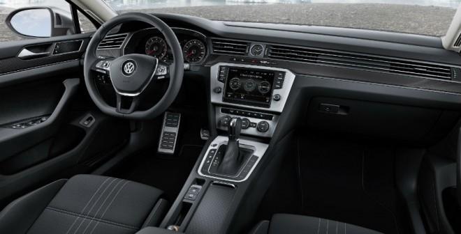 El interior del nuevo Volkswagen Passat Alltrack presenta una serie de detalles exclusivos propios de esta versión.
