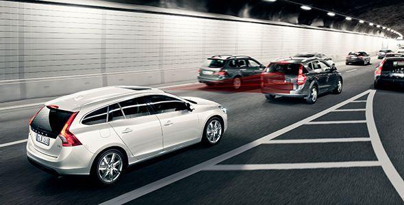 Volvo integra coches de conducción autónoma en tráfico real