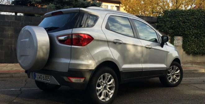 El Ford EcoSport tiene una imagen exterior que hace pensar que su tamaño es mayor del que realmente es.