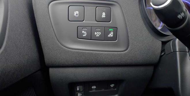 Presentación y prueba Citroën C4 2015, interior, Rubén Fidalgo