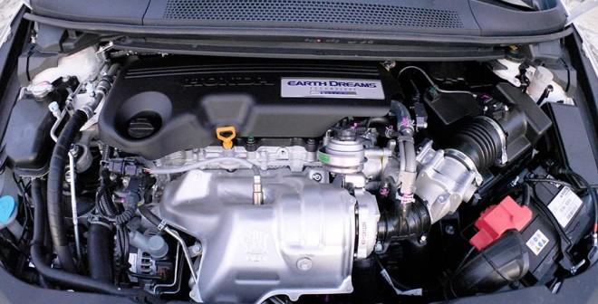 Prueba Honda Civic Tourer 1.6 i-DTEC 120 CV 2015, motor, Rubén Fidalgo