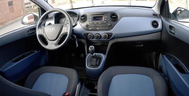 Prueba Hyundai i10 1.2 2014, interior, Rubén Fidalgo