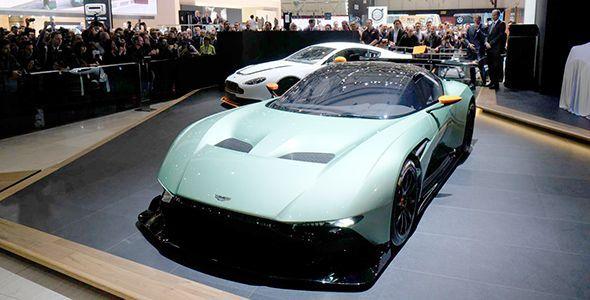 Los Aston Martin DBX Concept y Vulcan primicias en Ginebra 2015