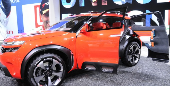 La ausencia de pilar central facilita mucho el acceso al interior del Citroën Aircross Concept.