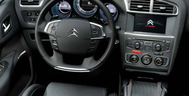 A nivel de equipamiento, el C4 Business de Citroën es un modelo muy apetecible.