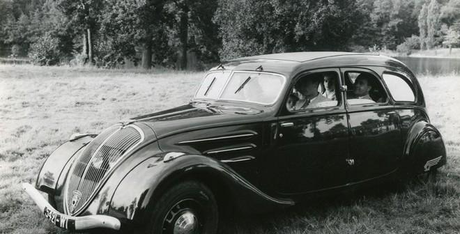 Cuádruple Aniversario Peugeot 402 familiar