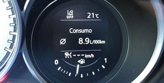 El consumo medio que obtuvimos durante la semana de pruebas con el Mazda CX-5 con motor de gasolina de 192 CV fue de 8,9 l/100 km.