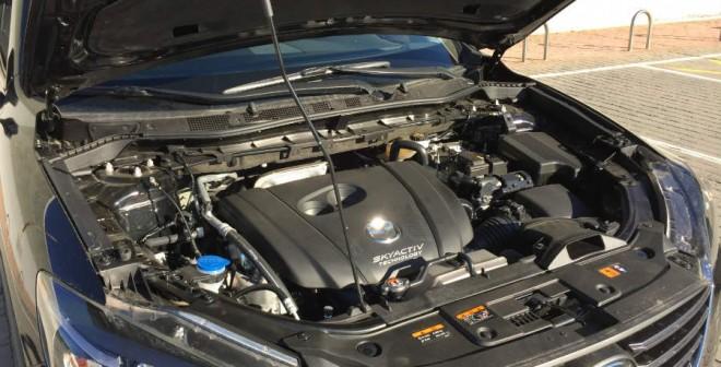 El Mazda CX-5 que hemos probado cuenta con un motor de gasolina de 2,5 litros y 192 CV.