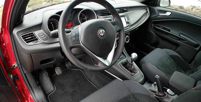 Prueba Alfa Romeo Sprint 2.0 JTD 150 CV 2015, interior, Rubén Fidalgo