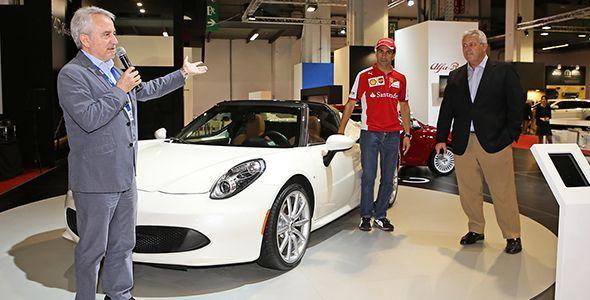 Marc Gené nos descubre el Alfa Romeo 4C Spider en Barcelona 2015