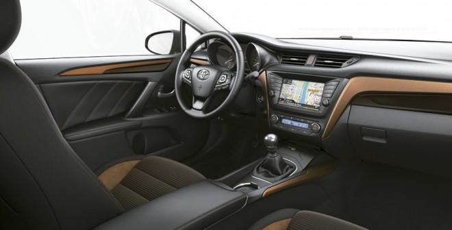 Nuevo Toyota Avensis 2015 interior