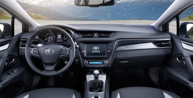 Interior del nuevo Toyota Avensis